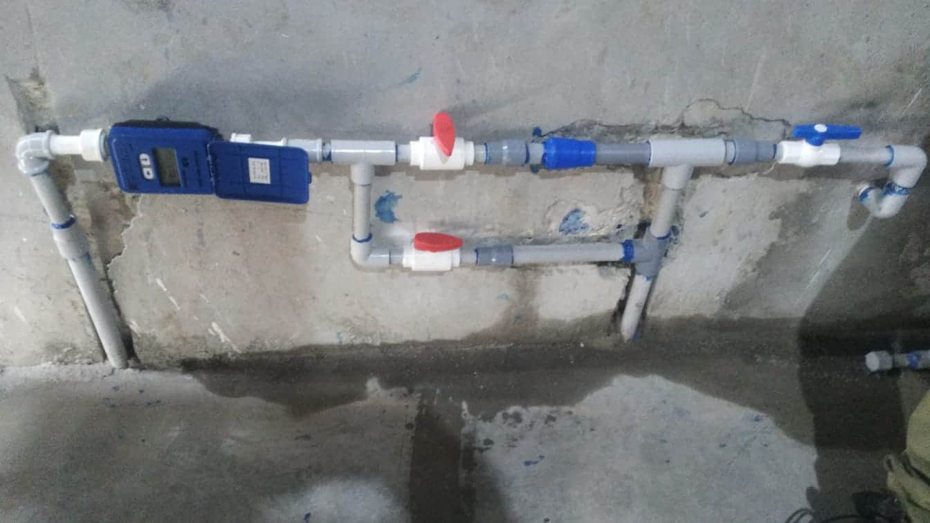 instalación de medidores de agua en edificios