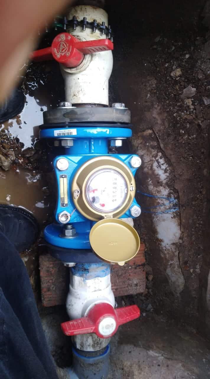 instalacion de medidor de agua inaca
